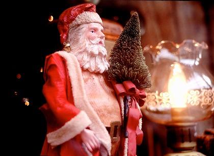 今年のクリスマスは、セクシーなサンタの衣装を着て、大人の恋を成就してみませんか?